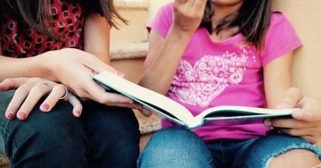 YA Fiction Writing Course [photo: young girls reading]