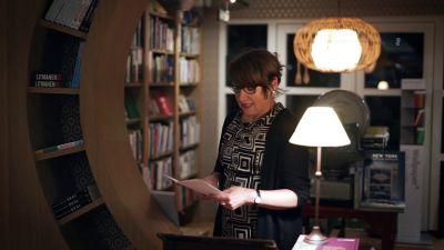 Linda Cook reading 'Gum'
